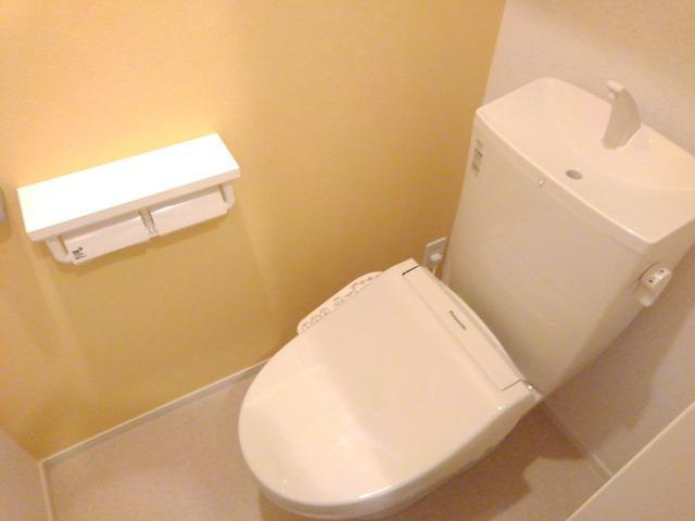 ローリン 02010号室のトイレ