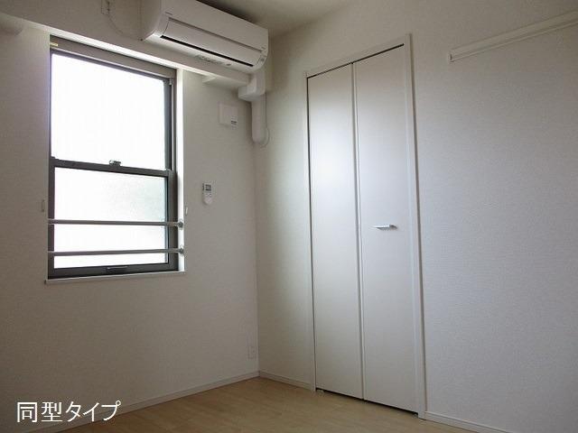 アソシエ 02030号室のベッドルーム