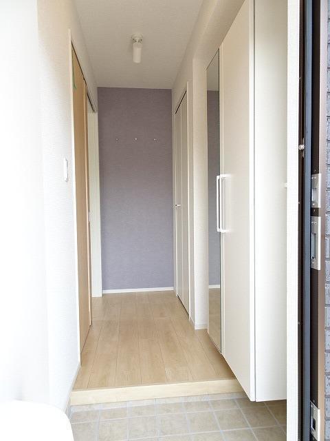 シャルマン 01010号室の玄関