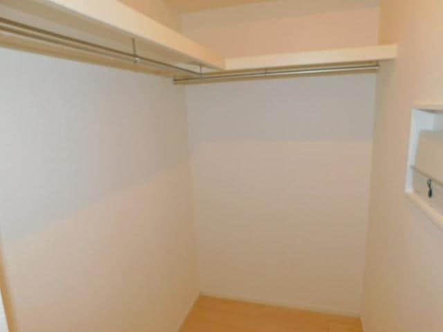 ラディーナB 01020号室の収納