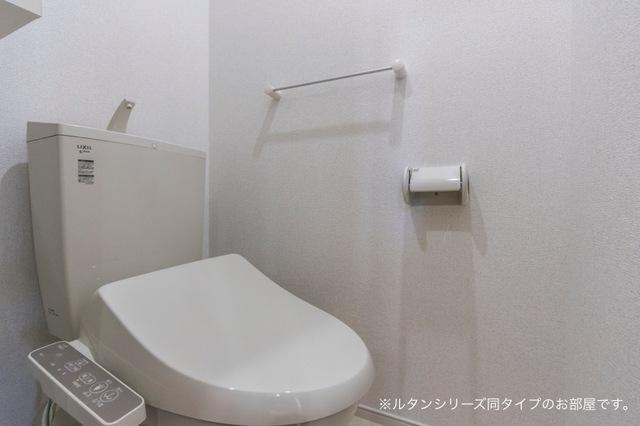 NFヴィレッジ Ⅰ 01010号室のトイレ