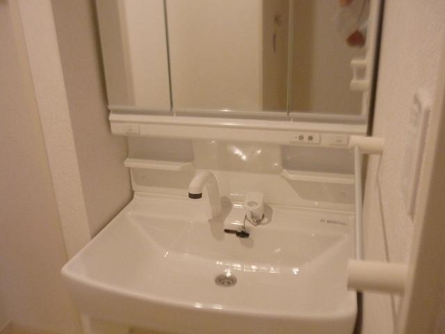 カファーラJ 01010号室の洗面所
