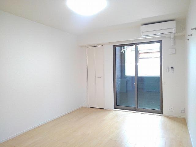 Villa 朱雀 01040号室の玄関