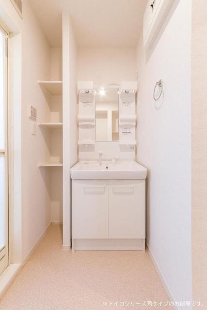 メゾンシャルマン 02020号室の洗面所
