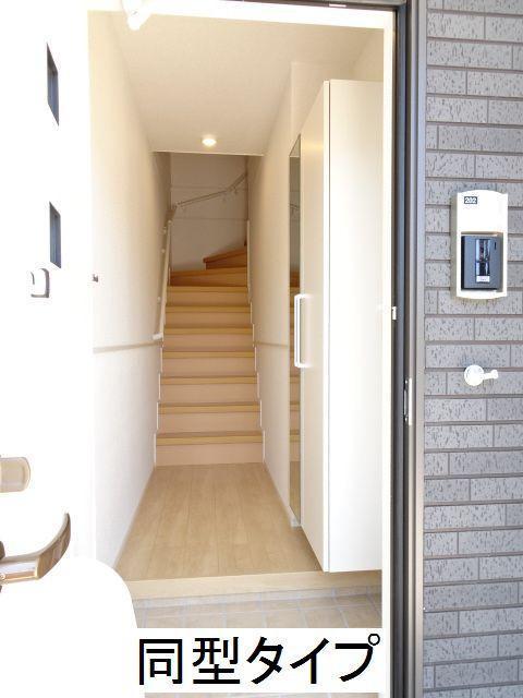 カーサ ブローテF 02020号室の玄関