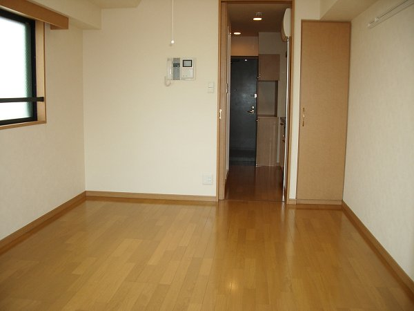 ルーブル学芸大学参番館 301号室のベッドルーム