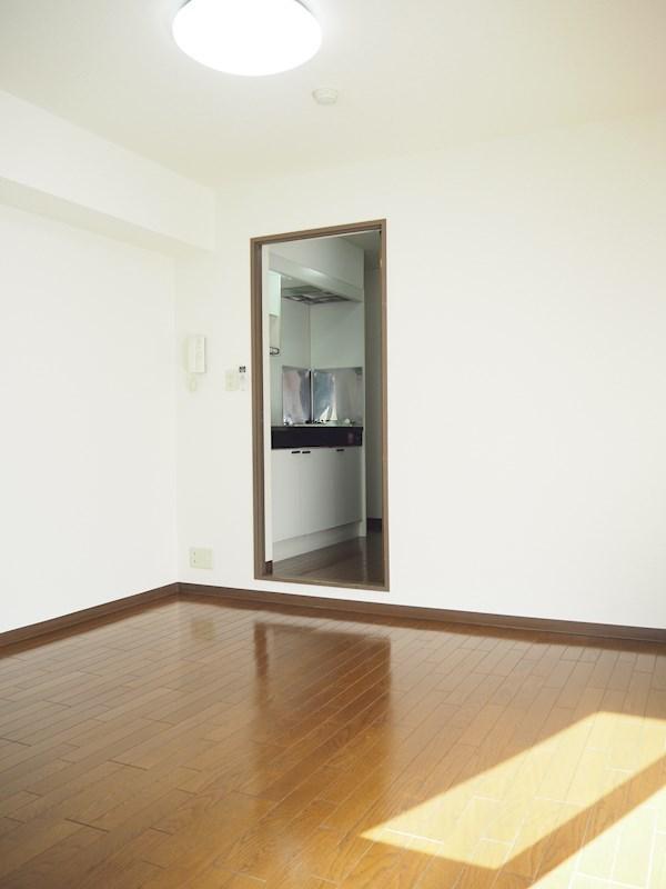 ルーブル池尻大橋 308号室の居室