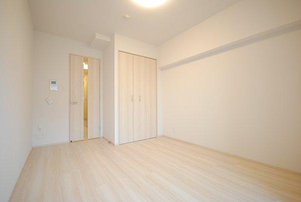 プレミアムキューブ・ジー・駒沢大学 1301号室のリビング