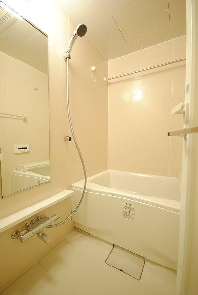 プレミアムキューブ・ジー・駒沢大学 1301号室の風呂
