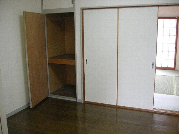 アーバンコア7 201号室の居室