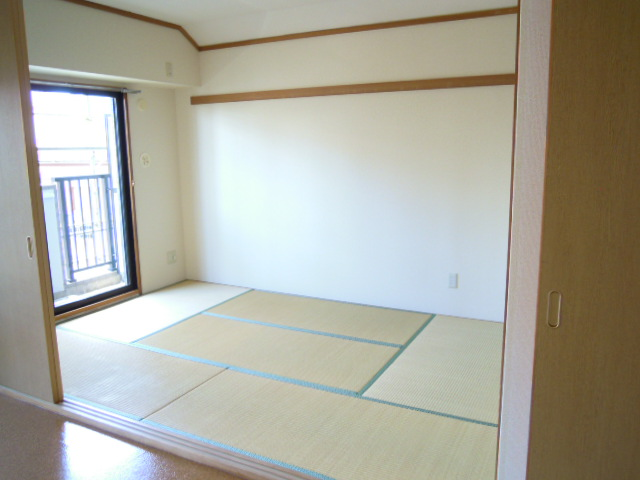 フィオーレ新宿 409号室の景色