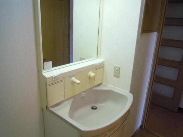 フィオーレ新宿 409号室の洗面所