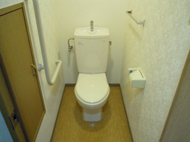 フィオーレ新宿 409号室のトイレ