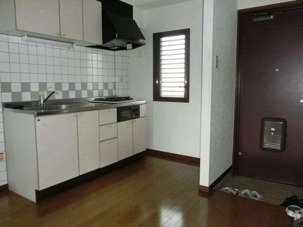 オードリーマンション 302号室の玄関