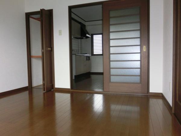 オードリーマンション 302号室のリビング