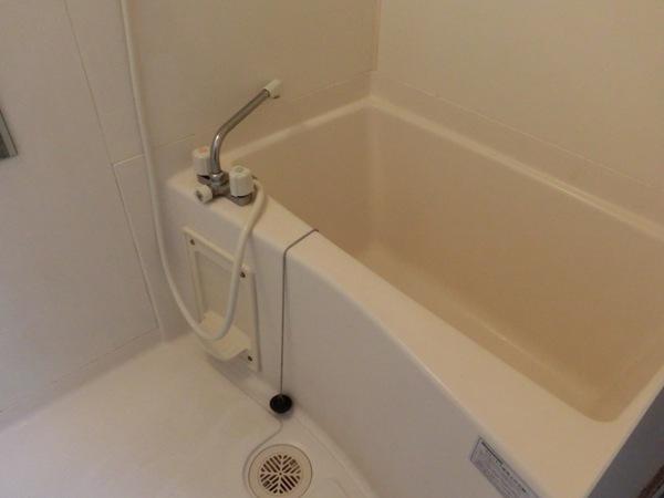 オードリーマンション 302号室の風呂
