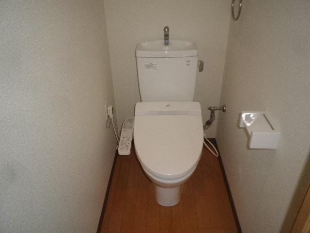 ルネス ドゥ エクスアン プロヴァンス 202号室のトイレ