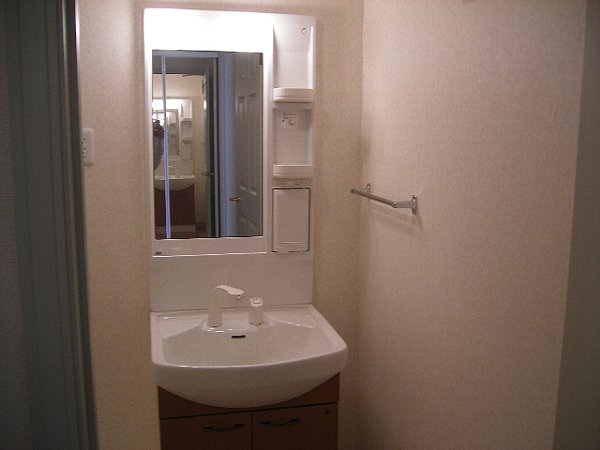 サンジュールイーストB 102号室の洗面所