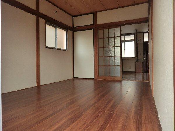 笹屋マンション 205号室の居室
