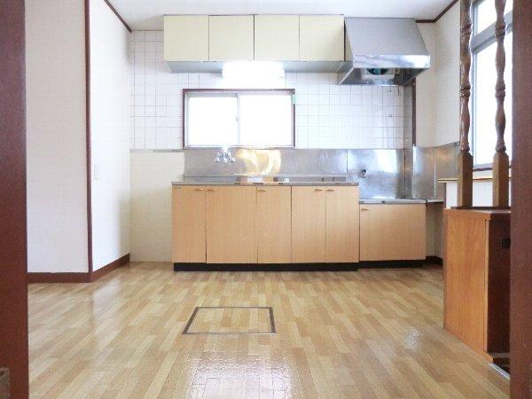 笹屋マンション 205号室のリビング