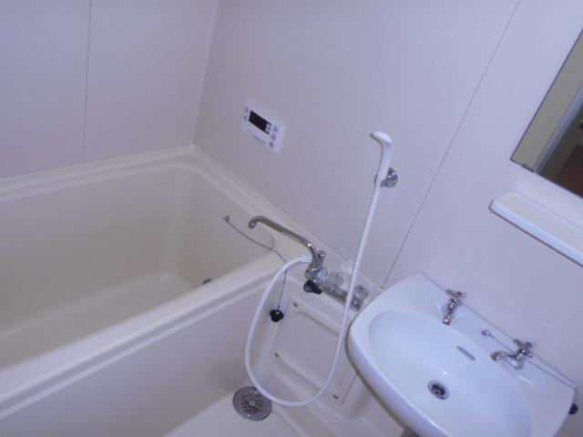 岩端ビル 4-B号室の風呂