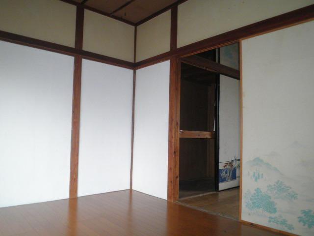 石井荘 103号室の居室