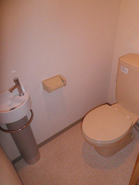 ロイヤルヒルズ浦和 105号室のトイレ