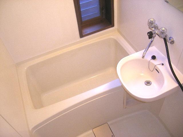 デュエット本太 202号室の風呂
