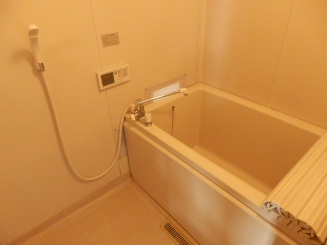 フレグランスSHOWA 202号室の風呂