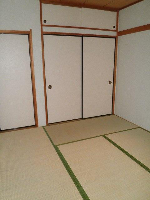 コーポウエムラ 202号室の居室