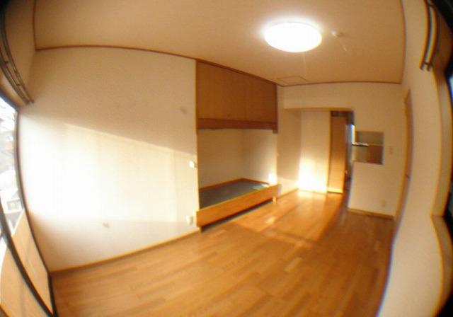 メゾン ロゼア 103号室の収納