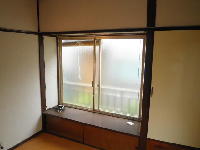 双葉荘 1号室のリビング