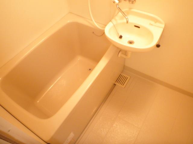 ハイツ若葉 201号室の風呂