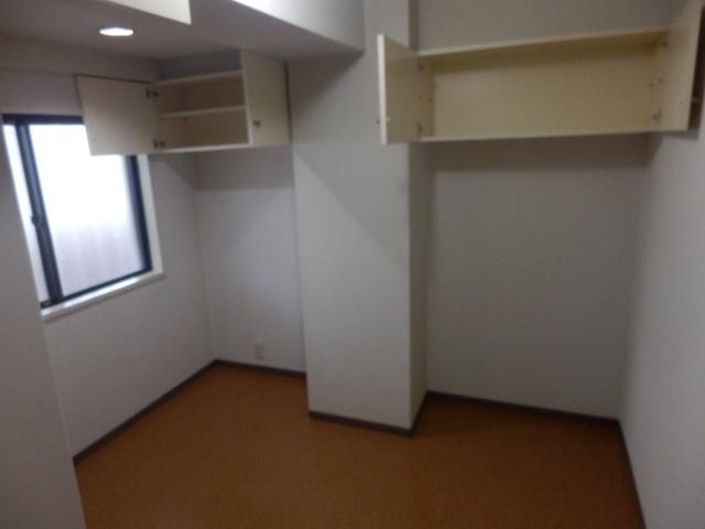 ファミールケントム 203号室の居室