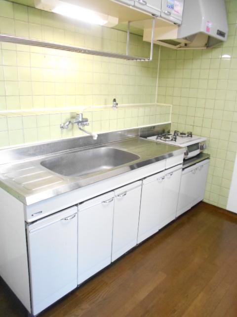ウェーブ元町 303号室のキッチン
