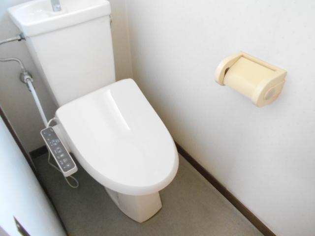 ウェーブ元町 303号室のトイレ
