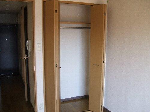 メゾンドエフ 604号室の収納