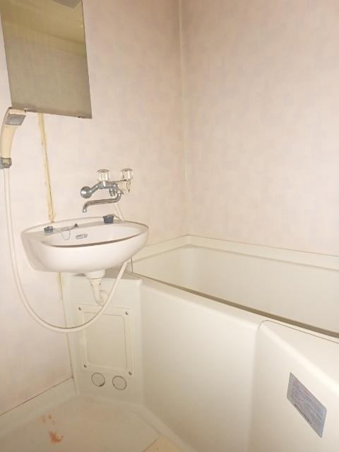 メゾンハピネス 102号室の風呂
