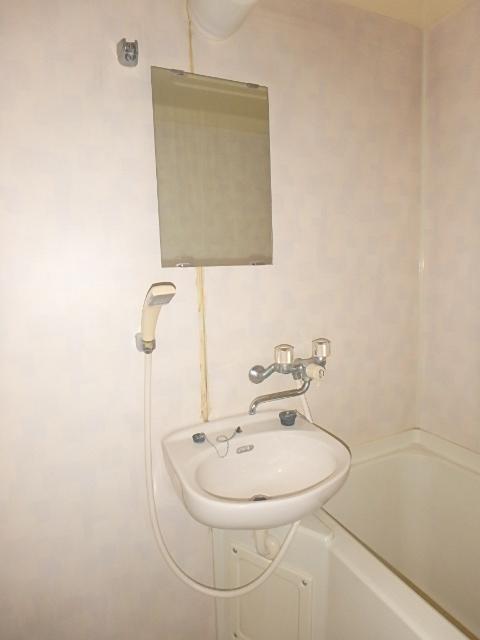 メゾンハピネス 202号室の洗面所