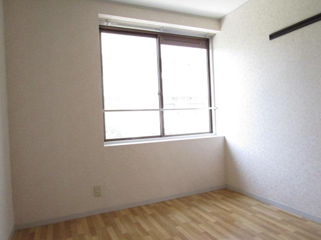 トリヴァンベール小林 301号室のリビング