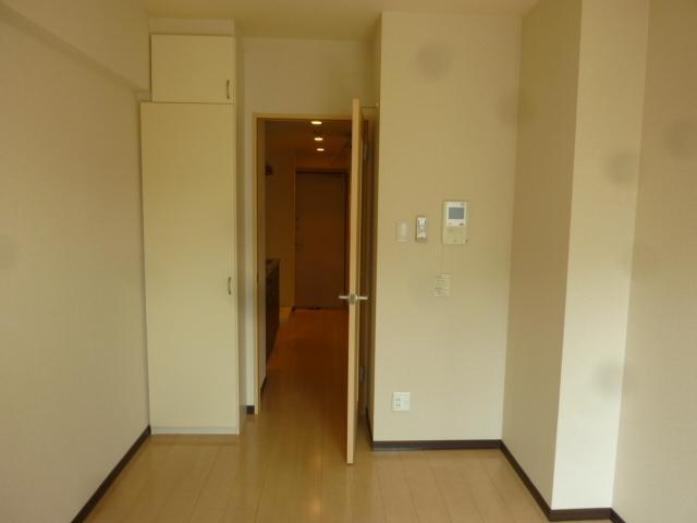カーサアルマーレ 203号室のリビング