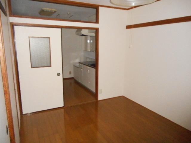 アパートメント21 305号室のリビング
