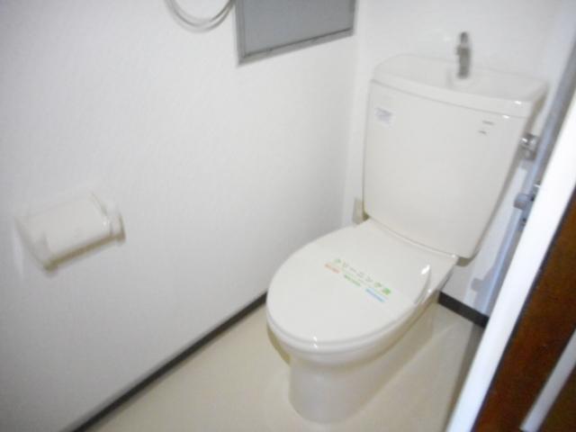アパートメント21 305号室のトイレ