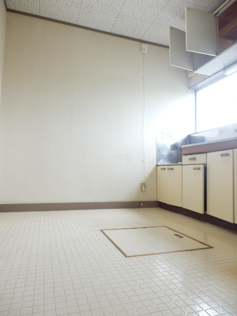 メゾン神谷 202号室のリビング