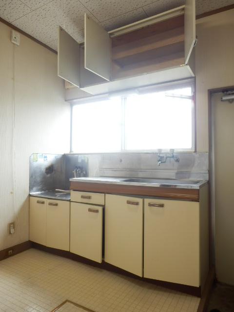 メゾン神谷 202号室のキッチン