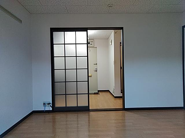 ラウム・ブリランテ 103号室のリビング