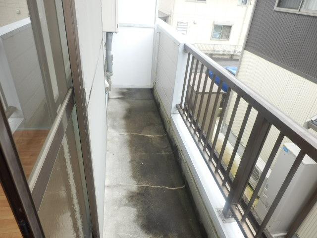 テックハウジング2 2A号室のバルコニー