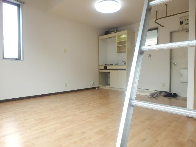 テックハウジング2 2A号室の居室
