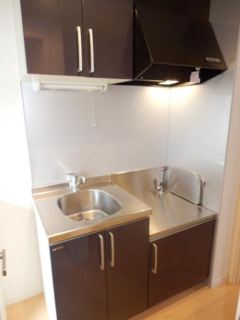 クレフラスト高丘A 101号室のキッチン