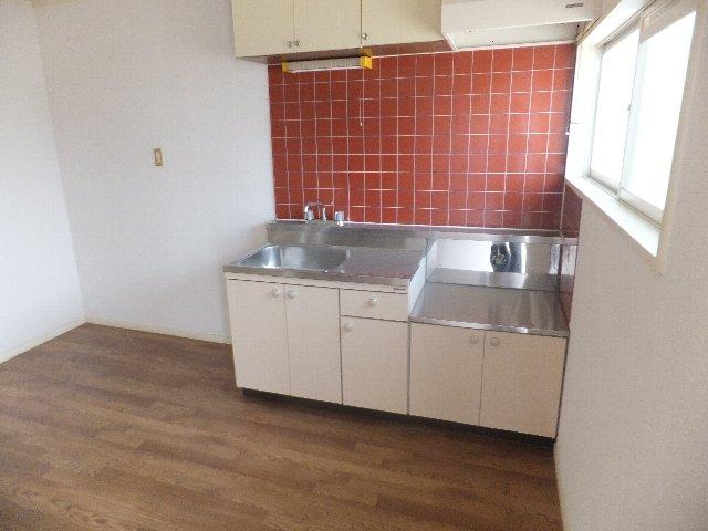 サンハイツ山田 B-202号室のキッチン